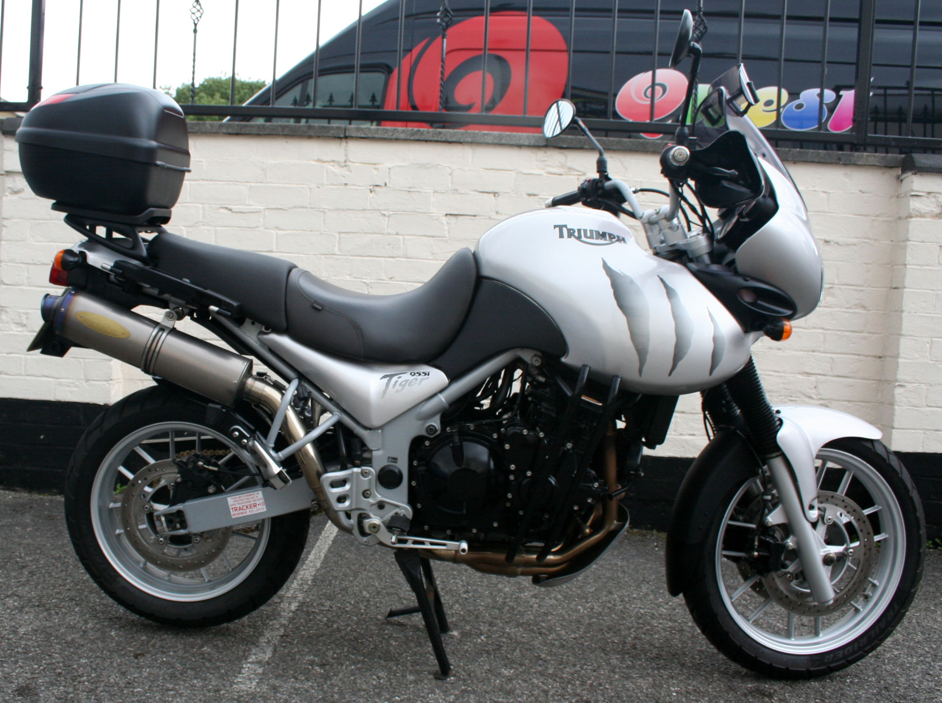 triumph tiger 955i for sale mansfield nottinghamshire. Black Bedroom Furniture Sets. Home Design Ideas