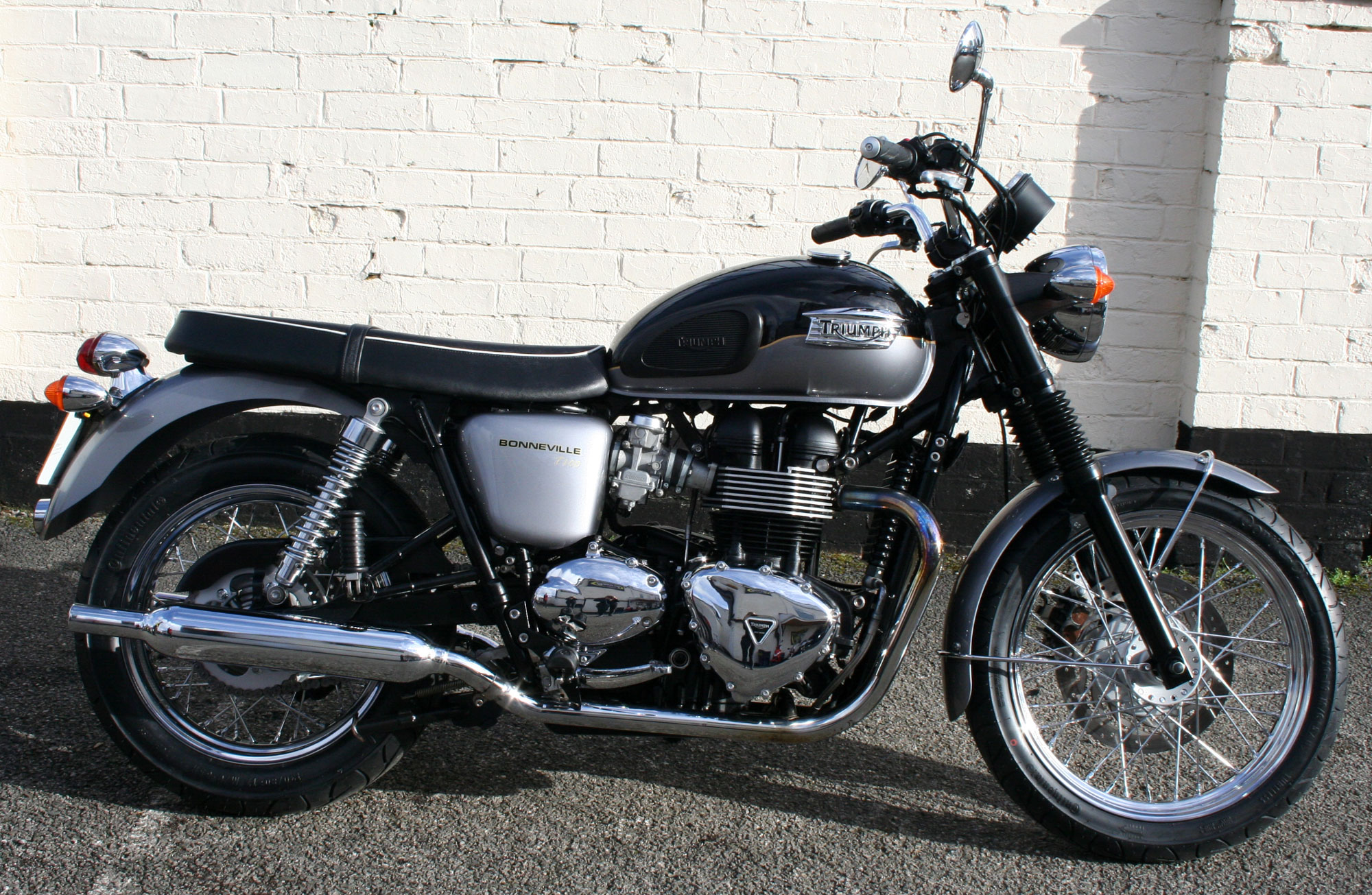 triumph bonneville t100 865cc for sale mansfield nottinghamshire leicestershire derbyshire. Black Bedroom Furniture Sets. Home Design Ideas