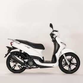 Peugeot Tweet 50cc scooter white