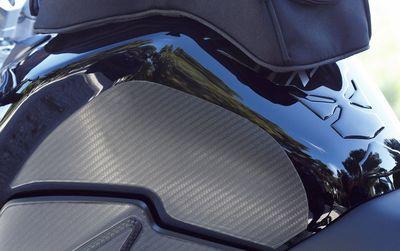 Suzuki GSR750 Tank Side Protection Set Carbon