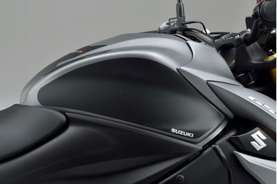 Suzuki GSX-S1000F Accessory Pack